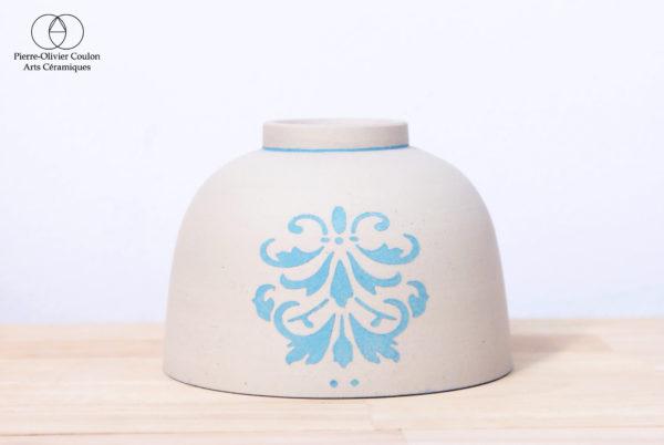 Bol en grès engobé décoré fait main