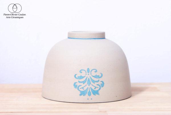 Bol en grès engobé décoré fabriqué en France