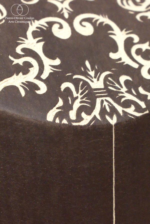 détail sculpture en grès céramique contemporaine